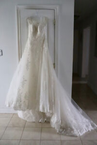 NEW WEDDING DRESS (VALUE 2500$) - ROBE DE MARIÉE JAMAIS PORTÉE