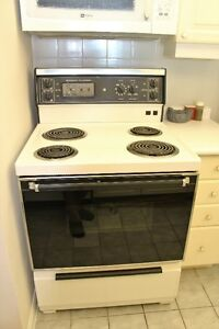 General Electric cooker 4 Burners hardly used