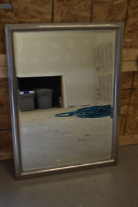 miroir avec cadrage en argent / miror with stainless frame