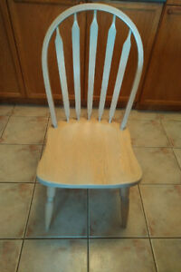 4 Solid White Oak Whitewashed kitchen chairs in excellent shape