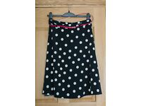 Beautiful dotty, polka dot knee lenght/midi skirt, black and white, size 10