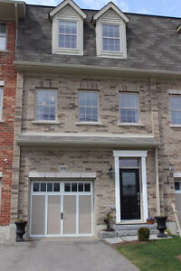 Luxury 3 bedrooms Townhouse Available for July 1st  for $1690