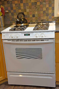 Jenn Air Slide-in Gas Stove (white)**SOLD**