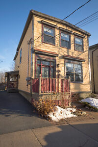 42 Tulip - Historic dwelling in the heart of Downtown Dartmouth