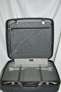 Samsonite Silhouette Gray Hard Suitcase Wheels New with Tags