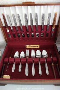 Sears Warner SW2 (Vine) Flatware in Case London Ontario image 1