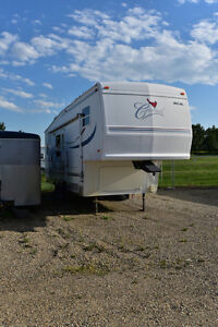 2002 Cardinal Fifth Wheel -Priced to Sell