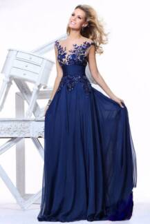 Evening Gown/Year 12 Formal/Prom Dress-Size 6,8,10,12,14 &16 Doncaster Manningham Area Preview