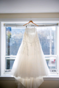 Beautiful ivory wedding gown
