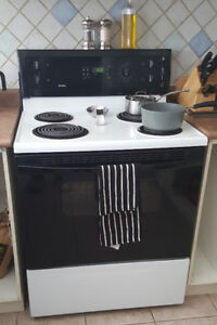 Used Electric Stove - White and Black Kenmore