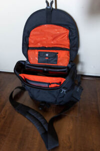 Vanguard shoulder bag for sale