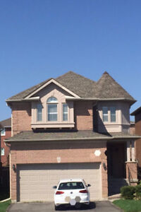 4 Br Detached house in Richmond Hill near community center