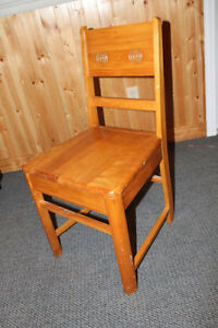 Antique wooden chair Cornwall Ontario image 2