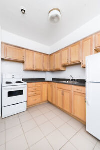 LG 2 BR WITH BALCONY AND 1.5 BATHS STEPS FROM DAL & SMU