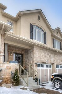 Beautiful Townhouse (2015 built) for rent In Kitchener near HWY