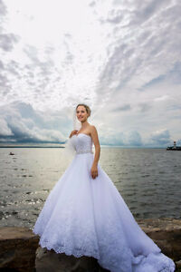 AMAZING WEDDING DRESS - ROBE DE MARIAGE SMALL / PETIT West Island Greater Montréal image 4