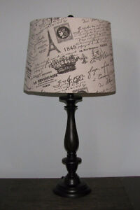 2 lampes de table - 2 table lamps