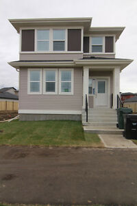 Beautiful, Pet Friendly, Spruce Grove Home for Rent!  March 1st!