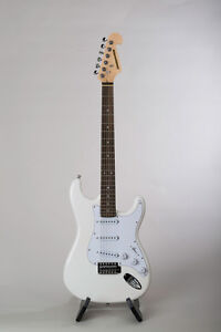 Crossroad white electric guitar