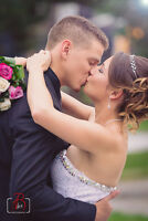 Professional & Creative Wedding Photographer starting from $750