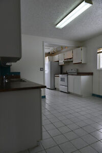 Newly renovated 3 bedrooms duplex for rent at Bowness