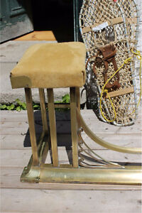 Antique Brass Fireplace Fender, with Buckskin Seats Kawartha Lakes Peterborough Area image 3