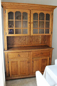 Beautiful Kitchen Hutch for SALE