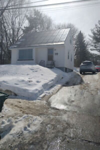 3-bedroom house, 2-blocks from UNB & STU - Available Mid-May