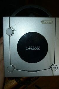 nintendo game cube mint shape new as well