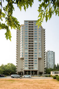 Huge 1090 sq.ft. 2 Bedroom condo in the centre of Metrotown!