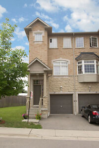 Beautiful 3 Bed/2.5 Bath Condo Town House at Prime Location