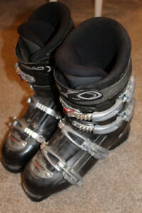 Lots and lots of downhill ski boots, mondo size 24 - 29