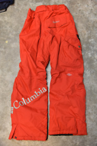 Youth size 10/12 Columbia Bugaboo snow pants. Excellent cond.