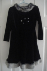 CachCach Girls Black Velour Christmas Party Dress Size 4T
