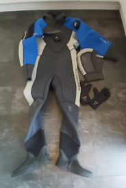 Scubapro neoprene drysuit, hood and thermals all size LARGE