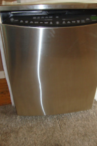 STAINLESS Near new Deluxe GE Built-in Dishwasher $175..OBO