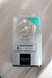 Sony Headphones with in-line Microphone for Smartphones, New