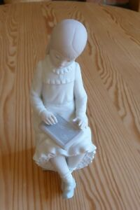"Lladro NAO Figurine:""Little School Girl with Slate"" (made 1992)"