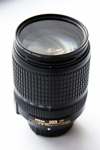 *****USED MINT NIKON 18-140mm f/3.5-5.6G AF-S DX******