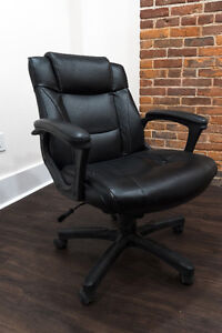 Leather office chair Kingston Kingston Area image 1