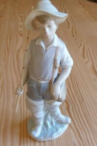 "Lladro Figurine: FISHER BOY "" Boy Gone Fishing"""