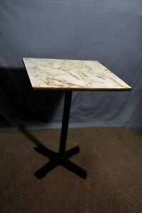 Table resto-bar