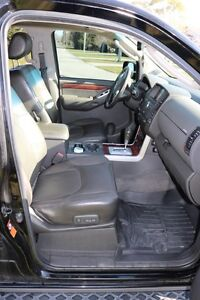 NISSAN Pathfinder LE 4X4 2008 fully loaded. Excellent condition London Ontario image 4