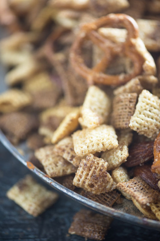 This brown sugar and cinnamon Chex mix is so addictive! I could munch on this stuff all day.