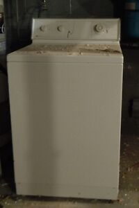 PRICE REDUCED !   Washer / Dryer Set - Electric