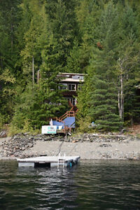 The perfect summer CABIN on Shuswap Lake!