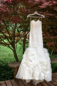 Beautiful Size 2 Wedding Dress - No Alterations