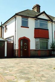 LARGE DOUBLE !! for rent in large Semi detached house. Must see !!!! BARGAIN!!!