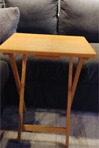 Table d'appoint pliante en bois