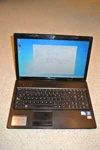 Lenovo G570 15.6'' laptop - Intel, 8GB, 120GB SSD, Wifi, Office